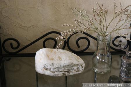 Морской камень белый с вкраплениями для фотосессий ручной работы на заказ