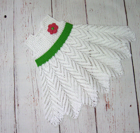Вязаное крючком платье для девочки ручной работы на заказ