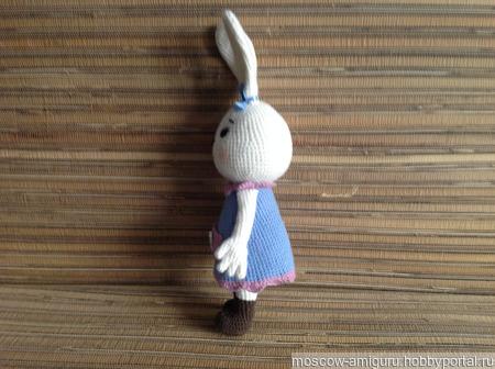 Зайка в платье с карманом амигуруми ручной работы на заказ