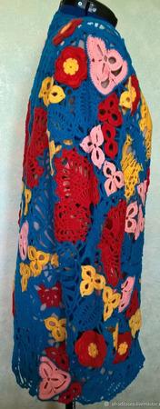 Голубой кардиган с цветами и бабочками ручной работы на заказ