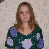 Пуловер с розами