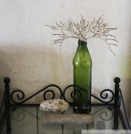 Бутылка оливковая с крышкой и 2 камня для декора ручной работы на заказ