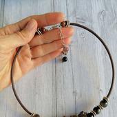 Колье на шею из натуральных камней под горло круглое жесткое