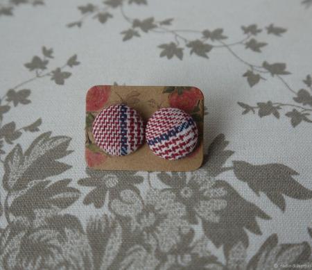 Серьги-пусеты в стиле Шанель ручной работы на заказ