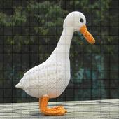 Вязаная игрушка «Белая утка»