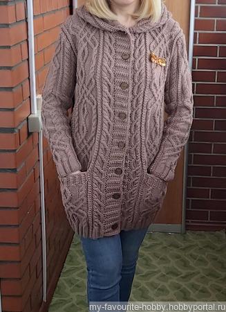 Кардиган с аранами, капюшоном и карманами ручной работы на заказ