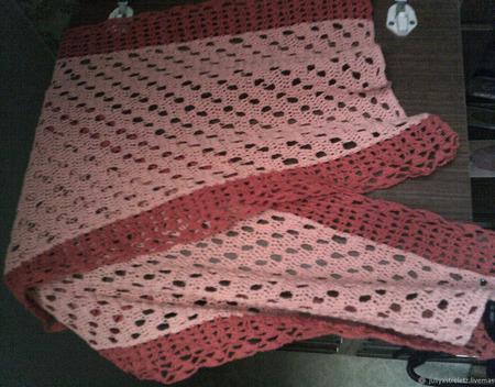 Шарф красно-розовый летний ручной работы на заказ