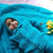 Вязаный костюм для малыша - кофта и штаны