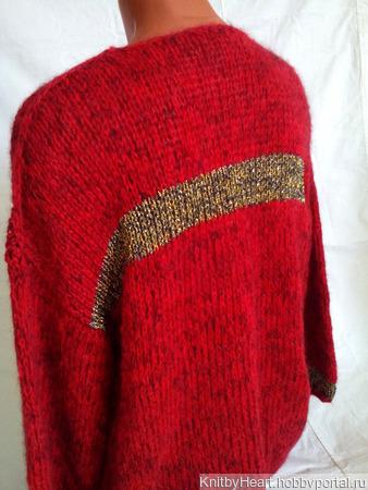 Вязаный свитер из кид-мохера с вырезом ручной работы на заказ