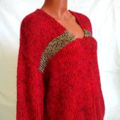Вязаный свитер из кид-мохера с вырезом