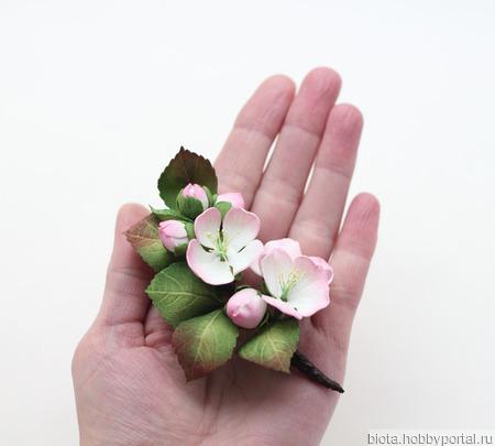"""Брошь ветка с цветами яблони """"Яблоневый цвет"""" ручной работы на заказ"""
