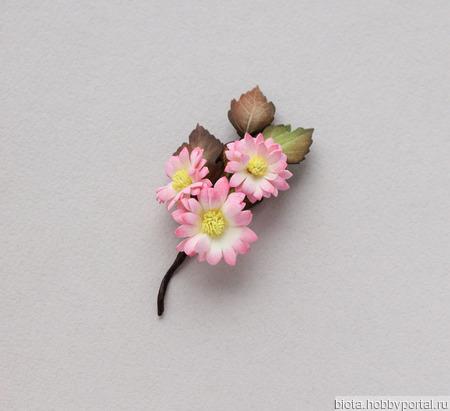 Брошь букетик цветов небольшой розовый из фоамирана ручной работы на заказ