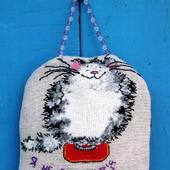 Вышитый кот – бодипозитив