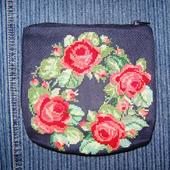 Косметичка с вышивкой «Розовый веночек»