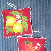 Вышитые подвески на кухню «Спелые плоды»