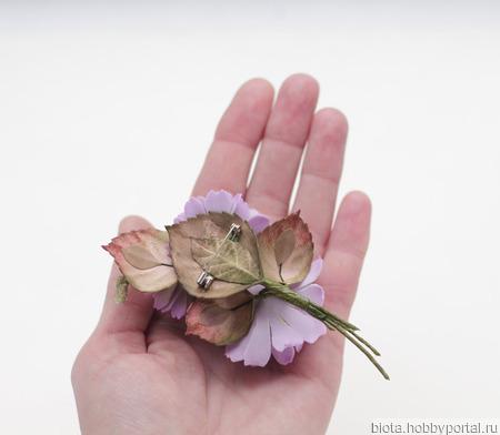Брошь букетик сиреневых цветов из фоамирана ручной работы на заказ