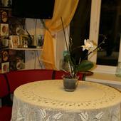 Скатерть с лилиями