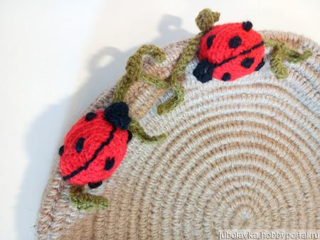 Лежанка из джута для домашних любимцев с оригинальным декором ручной работы на заказ