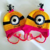 Детская шапка-миньон для девочки