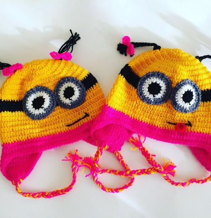 Детская шапка-миньон для девочки ручной работы на заказ