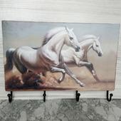 "Ключница-вешалка ""Лошадки белые"""