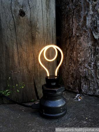 Настольный светильник в стиле Лофт ручной работы на заказ