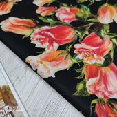 """Костюмно-плательная ткань """"Розы-бутоны оранжевые на чёрном"""""""