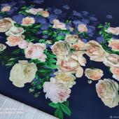 """Костюмно-плательная ткань""""Цветы розово/голубые кайма на т.с"""