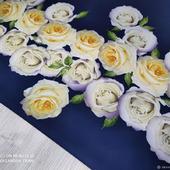 """Костюмно-плательная ткань """"Жёлто/кремовые розы на индиго"""""""