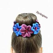 Украшение для девочки - резинка с цветами