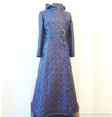 Пальто зимнее Голубика, расклешенное, длинное ручной работы на заказ