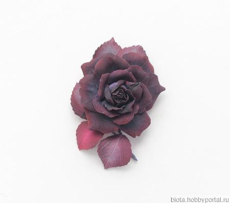 Брошь-цветок темная черно-бордовая роза из фоамирана ручной работы на заказ