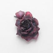 Брошь-цветок темная черно-бордовая роза из фоамирана