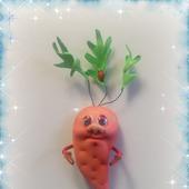 Магнит на холодильник Морковка