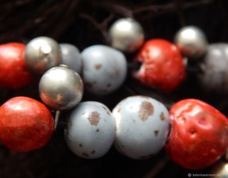 """Керамические бусы """"Сладкие ягоды в пасмурный день"""" ручной работы на заказ"""