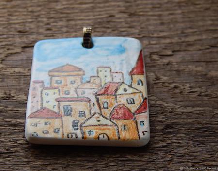 """Керамический кулон """"Город с красными крышами"""" ручной работы на заказ"""