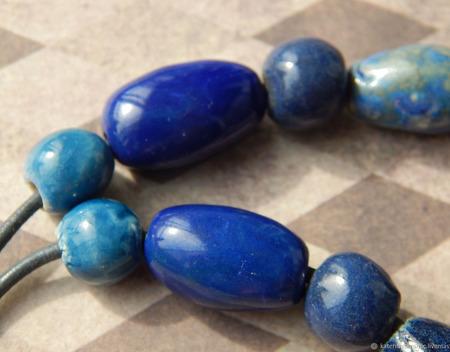 """Синие керамические бусы """"Синее сияние"""" ручной работы на заказ"""