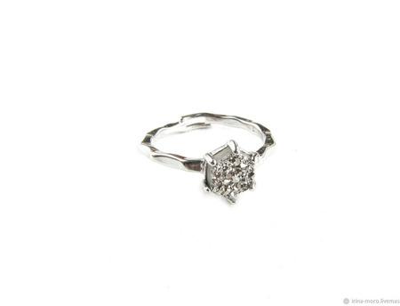 Кольцо с серебряным камнем ручной работы на заказ