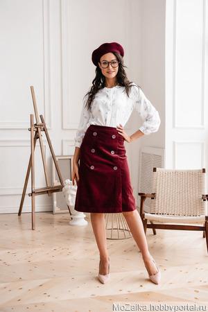"""Блуза атласная белая из вискозы """"Классика"""" ручной работы на заказ"""