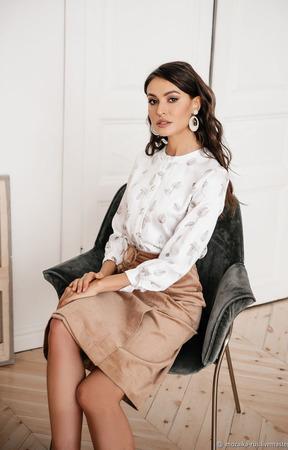 """Блуза атласная белая из вискозы """"Корица"""" ручной работы на заказ"""