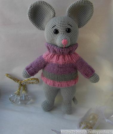 Мышонок в свитере ручной работы на заказ