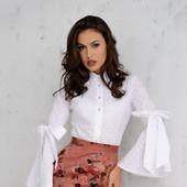 Блуза из батиста с бантами на рукавах