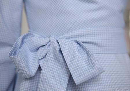 Блуза с запАхом голубая ручной работы на заказ