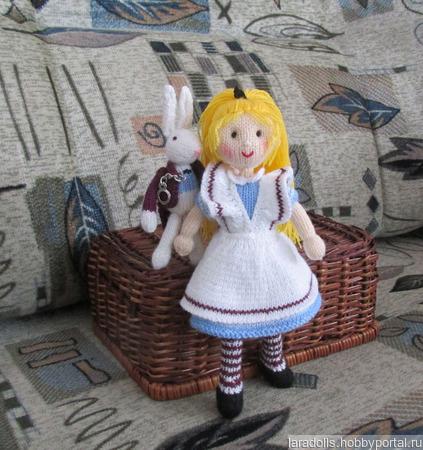 """Вязаные  игрушки """"Алиса и кролик"""" ручной работы на заказ"""