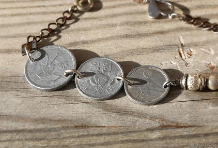 Браслет-цепочка с монетами «Дорама» ручной работы на заказ