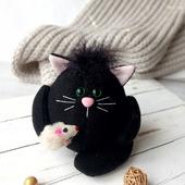 Мягкий чёрный котик из флиса