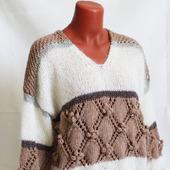 Вязаный свитер с V-образным вырезом в Краснодаре