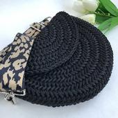 Женская вязаная сумочка через плечо
