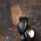 Серьги классические с антикварными пуговицами «Зеркала и тени»
