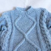 Нежный свитер WAVE ручной вязки